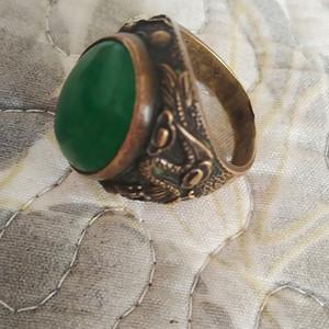 铜雕翡翠戒指