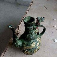 请教这个青铜壶老吗?能到明清吗?