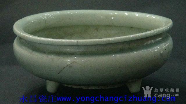 明中期青釉三足香炉 D21cm