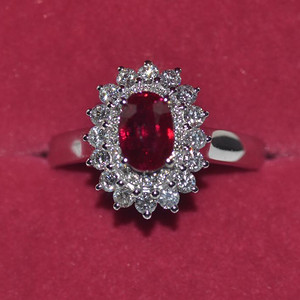 中检证书 0.992克拉天然鸽血红红宝石18K白金伴钻石戒指