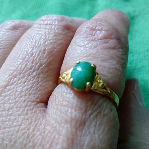 绿翡戒指吗