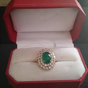 祖母绿戒指一枚