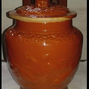红釉鱼蛙盖罐