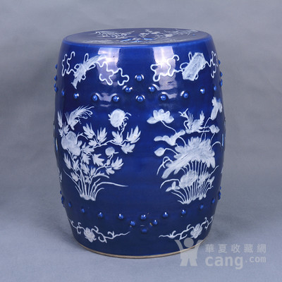 清 蓝釉堆白绣墩