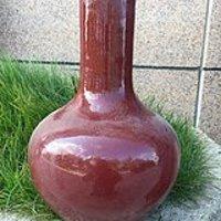 祭红釉天球瓶
