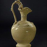 一千年前的青白瓷龙头耳提梁壶