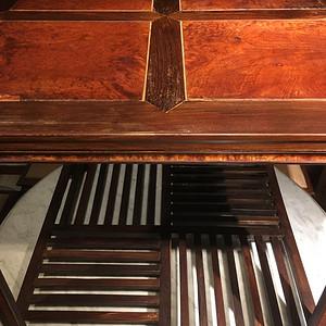 清代黄花梨桌椅?