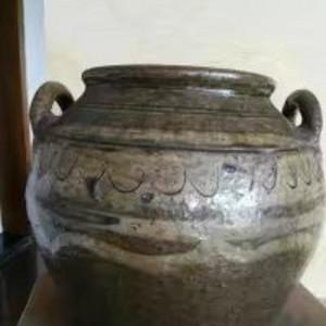 酱釉陶坛子