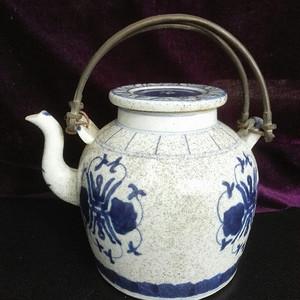 寿字纹铜提梁茶壶