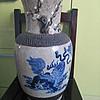 青花狮子瓶