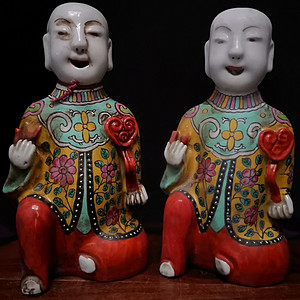 清中期瓷雕金童玉女摆件