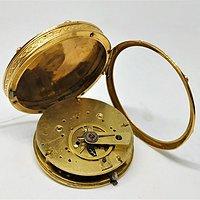 金怀表重量   39.8克,直径39毫米
