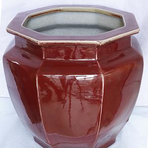 清 雍 正 官 窑 霁 红 釉 八 棱 大画缸